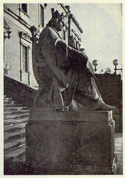 062_TRA-1924-205 - Estatua de Alfonso X el Sabio - Foto de Irumberri