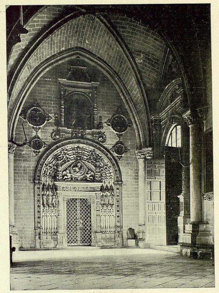064_TRA-1930-276-Catedral, capilla del Tesoro-Foto Clavería