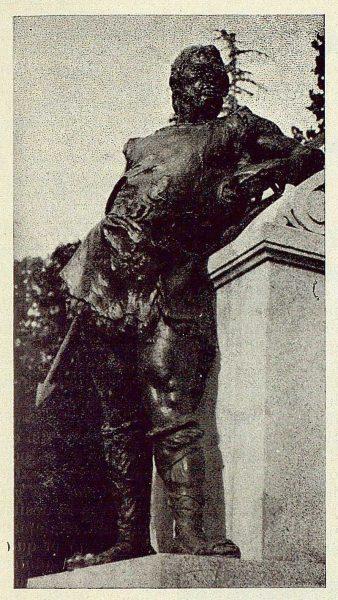 067_TRA-1925-220 - Monumento al Comandante Villamartín, detalle-01 - Foto Rodríguez