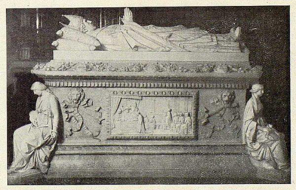 069_TRA-1926-228 - Colegio de Doncellas Nobles, sepulcro del Cardenal Silíceo