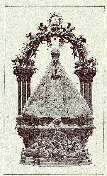 071_TRA-1926-230 - La Virgen vestida - Foto Rodríguez