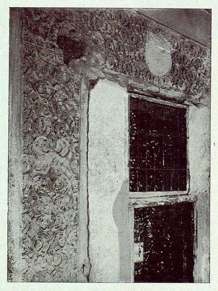 074_TRA-1922-189-Plaza de las Carmelitas 1, arrabá descubierto en una casa-Foto Román