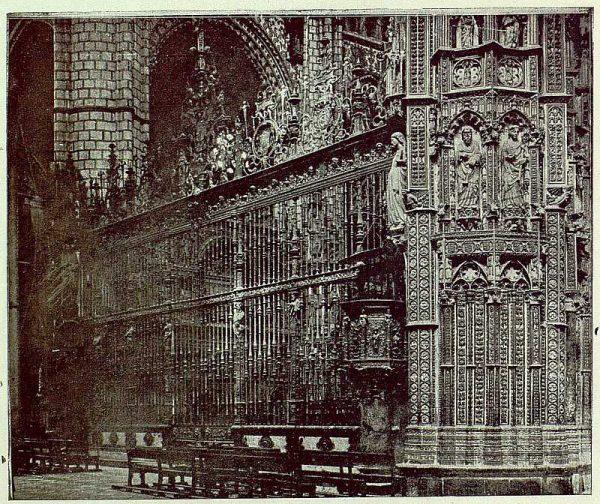 074_TRA-1925-223-Catedral, exterior de la Capilla Mayor-01