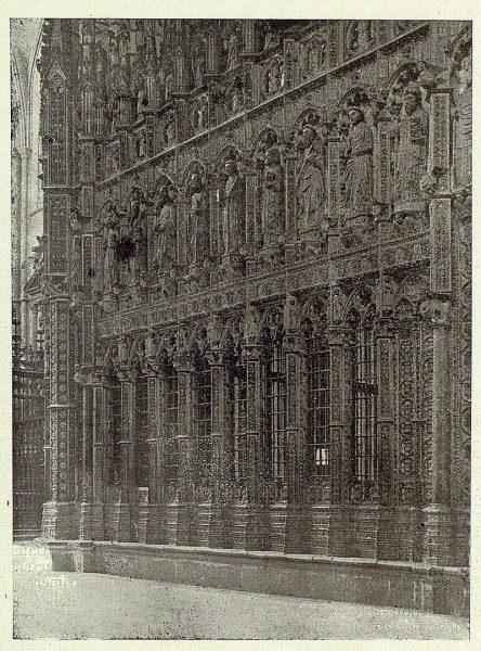 075_TRA-1925-223-Catedral, exterior de la Capilla Mayor-02