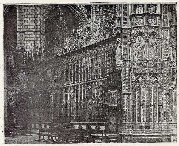 077_TRA-1926-227-Catedral, exterior de la Capilla Mayor
