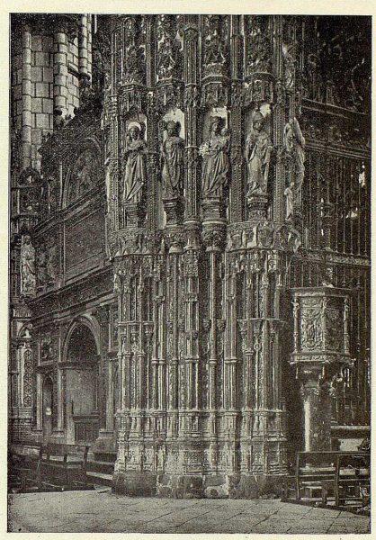 078_TRA-1926-228-Catedral, exterior de la Capilla Mayor-Foto Clavería