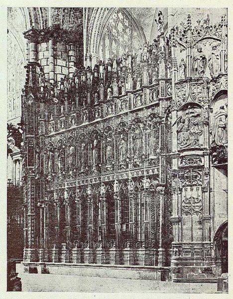 079_TRA-1926-228-Catedral, exterior de la Capilla Mayor