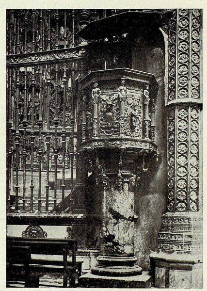 081_TRA-1927-241-Catedral, púlpito de la Capilla Mayor