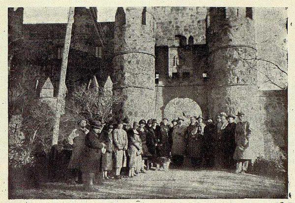 086_TRA-1928-255-Excursión en el Castillo de Guadamur-Foto Rodríguez