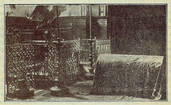 087_TRA-1917-084-Catafalco en honor de Cisneros por el Capítulo Mozárabe