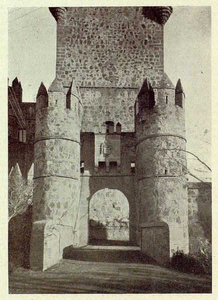 087_TRA-1929-270-Castillo de Guadamur, entrada-Foto Rodríguez