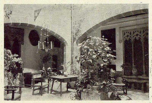 088_TRA-1929-270-Castillo de Guadamur, patio-Foto Rodríguez