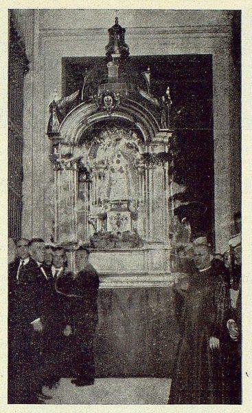 095_TRA-1924-210 - Farol con la Virgen del Sagrario