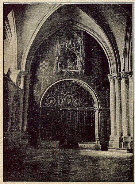 096_TRA-1921-171-Catedral, portada de la Capilla Mozárabe-Foto Bermejo