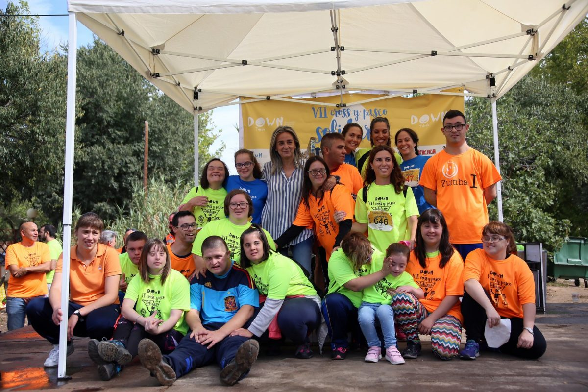 http://www.toledo.es/wp-content/uploads/2019/09/09_cross_solidario_down-1200x800.jpg. Más de 1.300 personas se suman a la Carrera y Cross Solidarios de Down Toledo que un año más cuenta con el respaldo municipal
