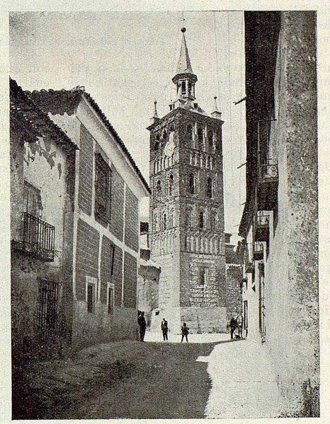 101_TRA-1929-265-Illescas, iglesia de Santa María, torre mudéjar-Foto Aguilar