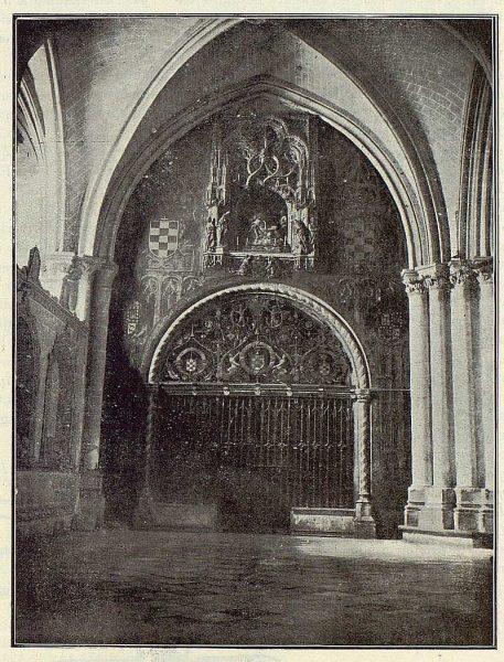 103_TRA-1923-192-Catedral, Capilla Mozárabe, portada-Foto Clavería