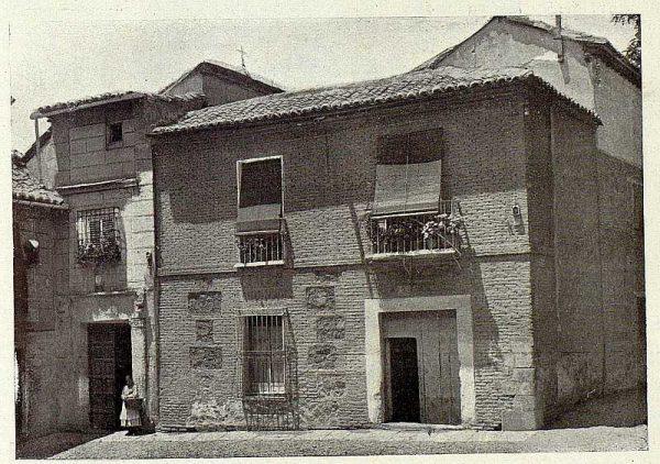 105_TRA-1928-253-Plaza de Valdecaleros-Foto Rodríguez