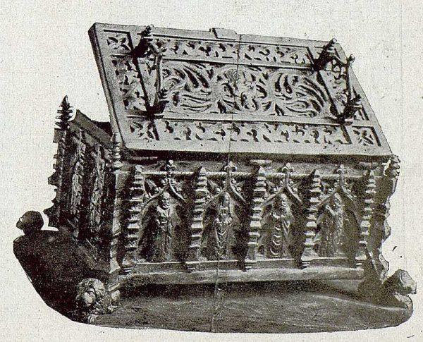 106_TRA-1921-172 - Arqueta de hierro repujada de Julio Pascual