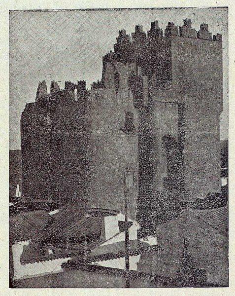 108_TRA-1920-139-Castillo de Manzaneque-Foto Román