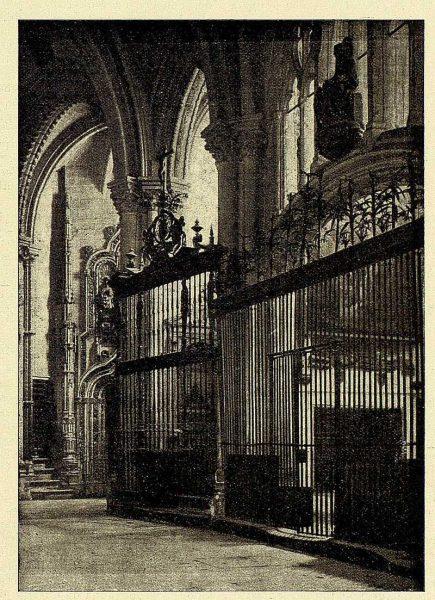 108_TRA-1928-259-Catedral, capillas de San Gil y de San Juan Bautista- Foto Clavería