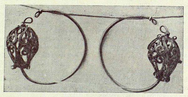 110_TRA-1922-181 - Zarcillos árabes - Foto Rodríguez
