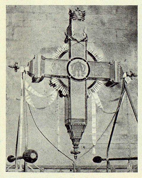 115_TRA-1924-210 - Gran Cruz luminosa - Foto Goitia