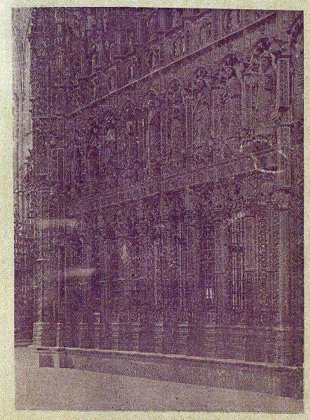 119_TRA-1920-140-Catedral, exterior del Coro-Foto Clavería