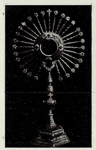 120_TRA-1926-238 - Congreso Eucarístico Nacional, exposición, custodia de metal dorado y coral