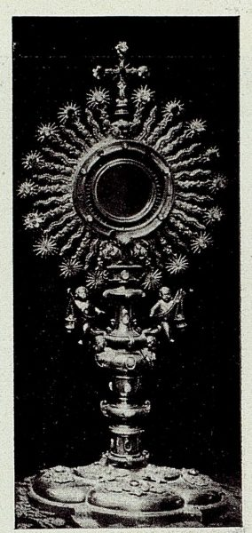121_TRA-1926-238 - Congreso Eucarístico Nacional, exposición, custodia de plata repujada-02