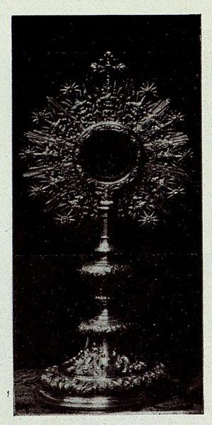 122_TRA-1926-238 - Congreso Eucarístico Nacional, exposición, custodia de plata repujada