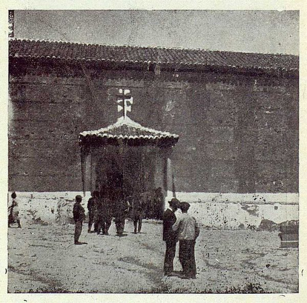 123_TRA-1923-195-Noez, iglesia