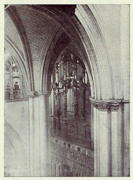 123_TRA-1923-201-Catedral, órgano barroco, en el Coro-Foto Merklin