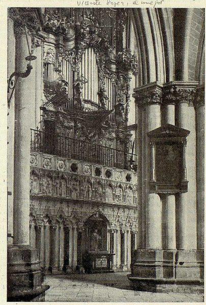 127_TRA-1926-232-Catedral, exterior del Coro