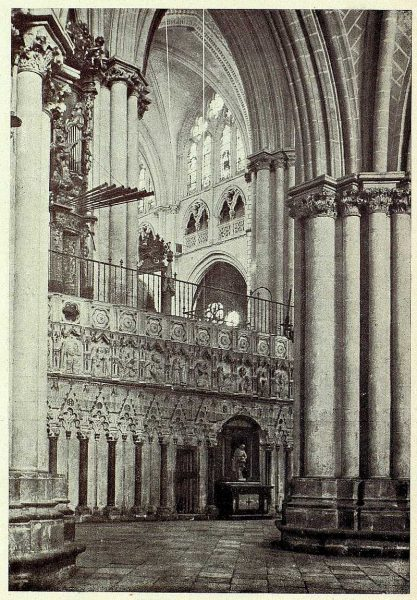 128_TRA-1927-247-Catedral, exterior del Coro-Foto Clavería