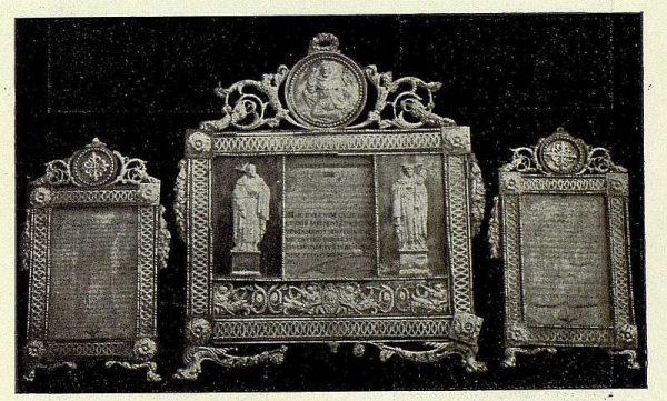 137_TRA-1926-238 - Congreso Eucarístico Nacional, exposición, sacras de plata