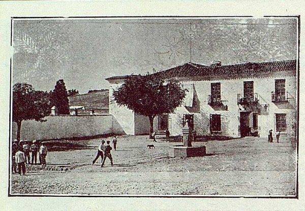 138_TRA-1923-191-La casona de San Martín de Pusa, fachada