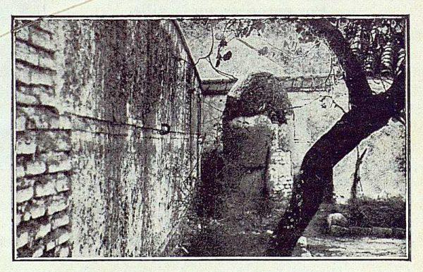 141_TRA-1923-192-San Martín de Pusa, ermita, jardín y patio