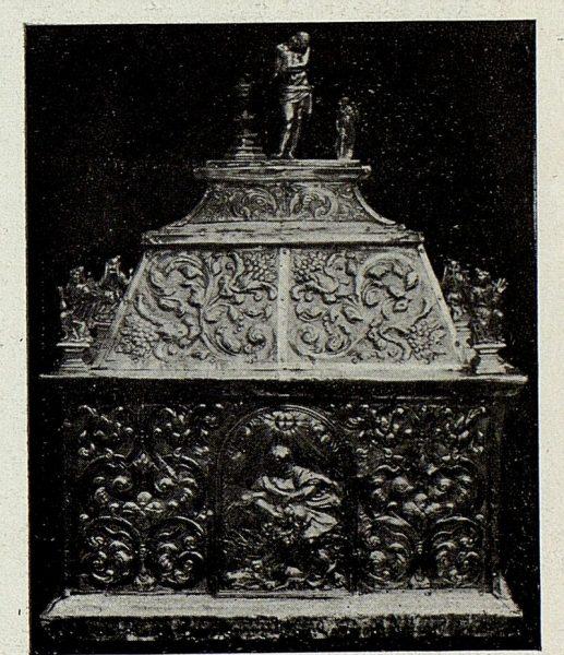 141_TRA-1926-238 - Congreso Eucarístico Nacional, exposición, urna de plata repujada, Pastrana