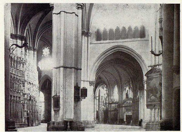 143_TRA-1927-245-Catedral, capillas de la Girola