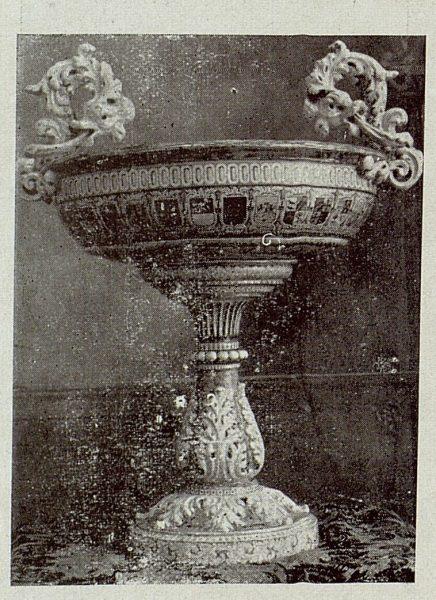 145_TRA-1920-149-Cerámica de Talavera Ruiz de Luna, centro renacimiento