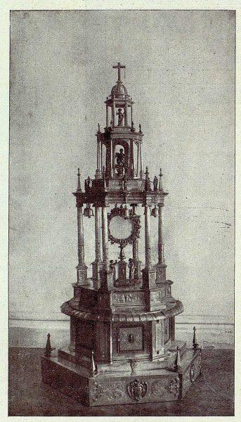 146_TRA-1928-252 - Parroquia de San Pedro, la custodia