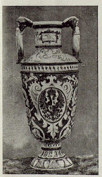 147_TRA-1920-149-Cerámica de Talavera Ruiz de Luna, jarrón-01
