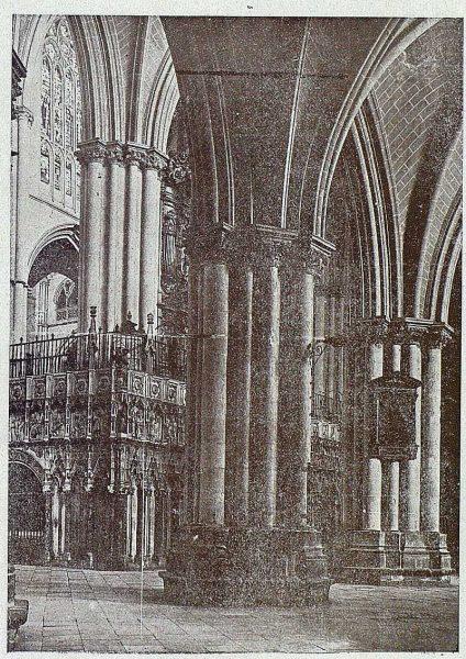 152_TRA-1919-136-Catedral, naves de la Epístola-Foto Clavería