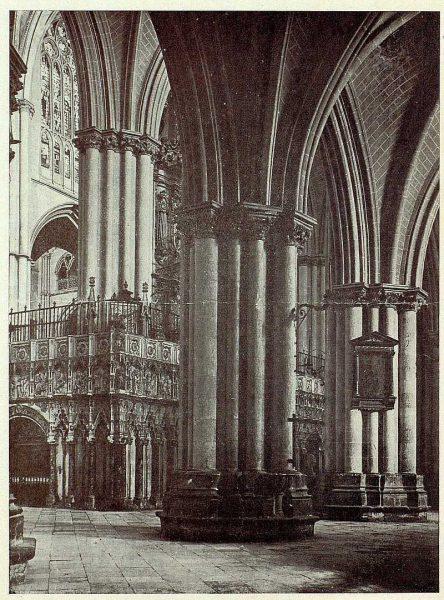 155_TRA-1926-230-Catedral, nave de la Epístola-Foto Clavería