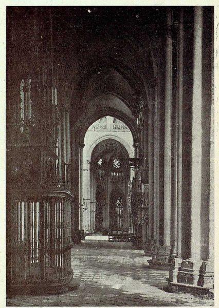 156_TRA-1926-237-Catedral, nave del Evangelio-Foto Clavería