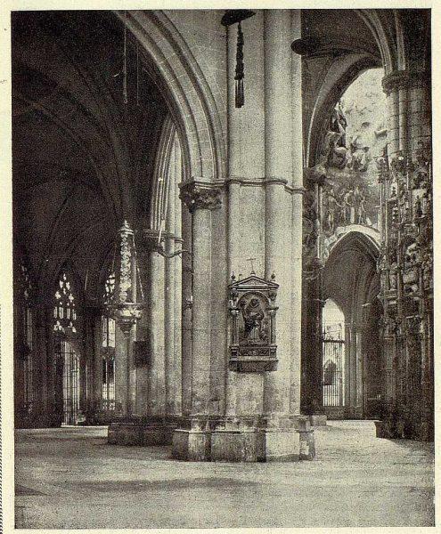 160_TRA-1928-252-Catedral, naves-Foto Clavería