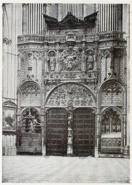 168_TRA-1926-228-Catedral, interior de la Puerta de los Leones, fragmento-Foto Clavería