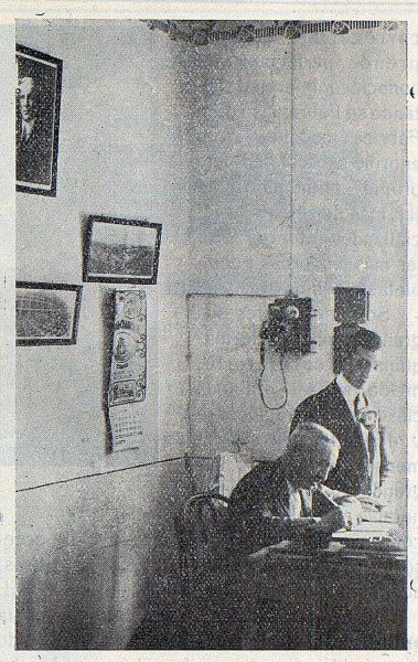 176_TRA-1923-197-Casa Mingoranz, el Sr. Mingoranz y su hijo Pepe en la Dirección