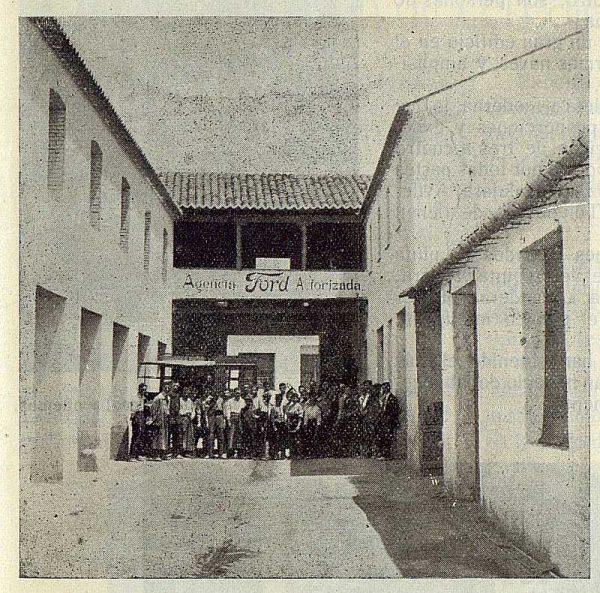 177_TRA-1923-197-Casa Mingoranz, patio de la fábrica